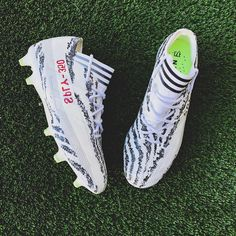 Behind The Scenes By customizerdepot Best Sneakers, Custom Sneakers, Custom Shoes, Sneakers Nike, White Football Cleats, Soccer Cleats, Yeezy Cleats, Custom Jordans, Soccer Boots