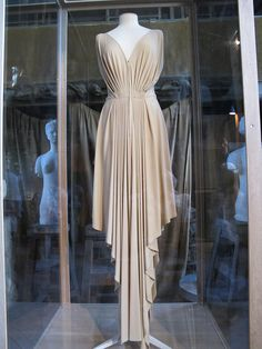 madame gres orange gowns | This dress was, if I'm not mistaken, made of a single piece of ...