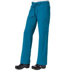 The Sapphire Alicia Trousers in Ultramarine feature 7 pockets to make sure you've somewhere for all your bits and bobs. These scrub trousers also feature 4-way stretch material to ensure a perfect fit. Only £29.99. #scrubtrousers  #medicalscrubs #nursescrubs #dentistscrubs #nurses #dentists #bluescrubs #nurseuniform