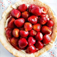 This strawberry cream cheese pie recipe will have you entire family smacking your lips and asking for more. From the flaky crust to the cream cheese base to the fresh strawberries and glaze -- it's Strawberry Cream Cheese Pie, Strawberry Jelly, Strawberry Recipes, Strawberries And Cream, Cheesecake Recipes, Dessert Recipes, Turtle Cheesecake, Lemon Brownies, Cheese Pies