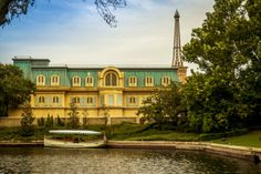 Click to rate France at Epcot; Steve Burns