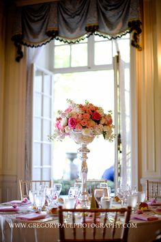 My very own fairytale for a day :) Beautiful Centerpiece at Glen Manor House (Portsmouth, RI) - Photographed by Gregory Paul Photography