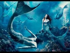 "Julianne Moore as Ariel Photo by Annie Leibovitz for her ""Disney Dream Portrait Series."" Along with swimmer Michael Phelps, Julianne is placed in a Disney fantasy inspired by The Little Mermaid. More Julianne Moore photos Annie Leibovitz,. Heros Disney, Art Disney, Disney Kunst, Disney Films, Disney Magic, Disney Characters, Disney Princesses, Brave Disney, Childhood Characters"