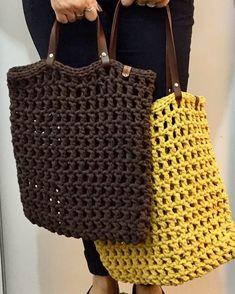 Captivating Crochet a Bodycon Dress Top Ideas. Dazzling Crochet a Bodycon Dress Top Ideas. Crochet Purse Patterns, Crochet Clutch, Crochet Handbags, Crochet Purses, Bag Patterns, Love Crochet, Crochet Gifts, Diy Crochet, Crochet Shell Stitch