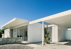 1960's Palm Springs house designed by architects Donald A. Wexler & Ric Harrison