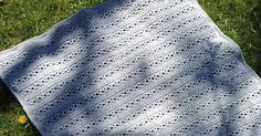 Kat Kat Katoen: Monochrome baby blanket - gratis haakpatroon babydeken -