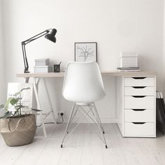 So make sure you design your home office exactly how you want from the perfect colors, . See more ideas about Desk, Home office decor and Home Office Ideas. Mesa Home Office, Home Office Table, Home Office Desks, Office Workspace, Workplace Design, Desk Space, Desk Areas, Design Your Home, Trendy Home