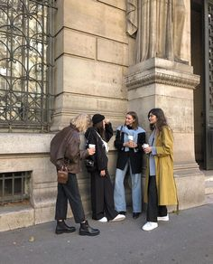 Nastya larkicheva on girls girls girls instaglam nastya larkicheva on girls girls girls the most dramatic interiors from the vogue archive Street Style Outfits, Mode Outfits, Fashion Outfits, Fashion Hacks, Fashion Shoes, Fashion Kids, Look Fashion, Winter Fashion, Ski Fashion