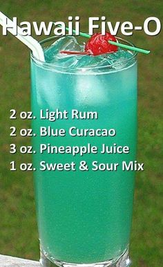 – Cocktails and Pretty Drinks Fun Drinks Alcohol, Alcohol Drink Recipes, Liquor Drinks, Fancy Drinks, Cocktail Drinks, Alcoholic Beverages, Bourbon Drinks, Acholic Drinks, Popular Alcoholic Drinks