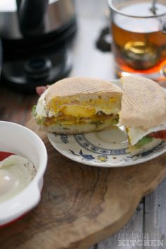 Make a healthy, delicious breakfast at home! All Roads Lead to the Kitchen used OXO Microwave tools to quickly whip up this flavorful breakfast sandwich!