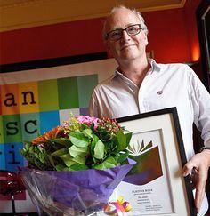 Manuscripta 2014: Een platina boek voor Het diner van Herman Koch. © Chris van Houts www.bibliotheeklangedijk.nl