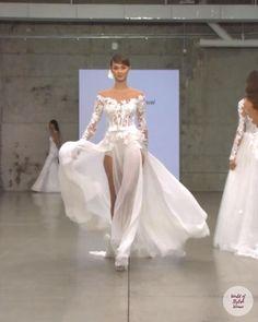 Wedding Dress Bustle, Slit Wedding Dress, Amazing Wedding Dress, Dream Wedding Dresses, Wedding Gowns, Bridal Outfits, Bridal Gowns, Victor Ramos, Pnina Tornai