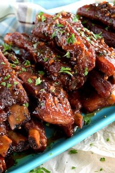 Copycat Chinese Restaurant Dry Garlic Ribs are a nostalgic buffet favourite. Every and Chinese buffet included these delicious ribs and this is a make-at-home recipe thats better than the original! Pork Rib Recipes, Chicken Wing Recipes, Meat Recipes, Asian Recipes, Cooking Recipes, Copycat Recipes, Meat Meals, Chinese Recipes, Casserole Recipes