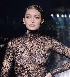 A sensuous evening look from the TOM FORD Autumn/Winter 2020 Show. Cute Girl Outfits, Hot Outfits, Fashion Beauty, Girl Fashion, Robot Girl, Bodysuit Fashion, Pretty Lingerie, Stunning Dresses, Hottest Models