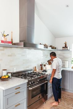 """""""Semihandmade makes your IKEA kitchen look custom and twice as expensive for basically the same cost,"""" recommends Danielle."""