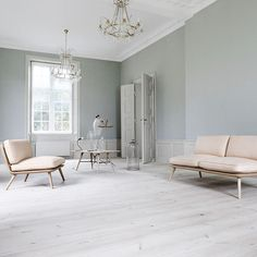 Lime creates an elegant finish on wooden floors that's subtler than whitewash. Here's how to achieve it.