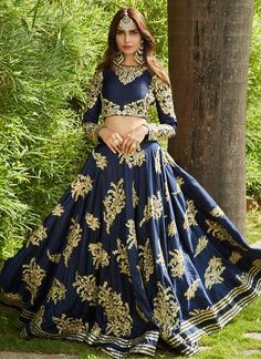 Navy Blue Heavy Embroidered Lehenga Indian Wedding Outfits, Indian Bridal Wear, Pakistani Outfits, Indian Wear, Mehendi Outfits, Indian Style, Indian Clothes, Desi Clothes, Indian Dresses