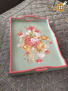 Wooden Painting Tray Models 164 Pieces - Wooden Tray Painting And Decoration Decoupage Art, Decoupage Vintage, Wooden Painting, Painted Trays, Diy Holz, Tray Decor, Diy And Crafts, Projects To Try, Creations