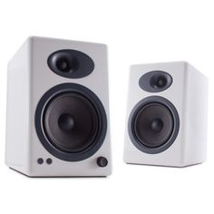 The 10 Best Computer Speakers BY JAMIE LENDINO AUGUST 27, 2014 Now that your PC doubles as a stereo system, why not get it a proper pair of speakers? Here are the best ones we've tested recently.