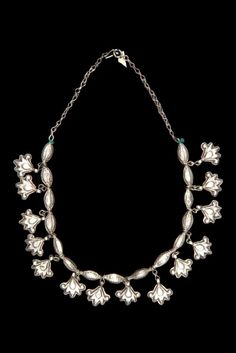 Iran | Women's necklace; silver.  // ©Quai Branly Museum. 71.1970.94.19