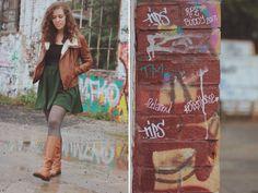 Während Laura ihre Fotos im ehemaligen Reichsbahngelände gemacht hat, war auch gerade ein Graffiti-Sprayer am Werk. Lest mehr über Lauras Lieblingsplatz in ihrem Blog: http://www.himbeermarmelade.de/wordpress/?p=10151
