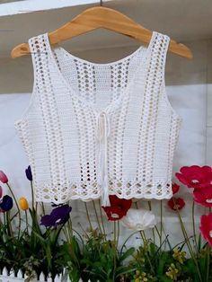 Crochet Summer Tops, Crochet Crop Top, Crochet Cardigan, Crochet Crafts, Easy Crochet, Crochet Hooks, Crochet Designs, Crochet Patterns, Bralette Pattern