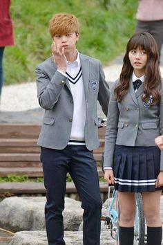 Btob Sungjae and Kim So Hyun Korean Uniform School, School Uniform Girls, Yongin, Who Are You School 2015, Madison Beer Outfits, Girl Drama, Korean Best Friends, Sungjae Btob, Kim Sohyun