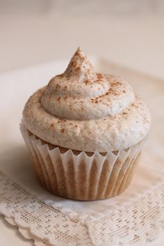 Life Made Simple: Holiday treat #2 Snickerdoodle Cupcakes