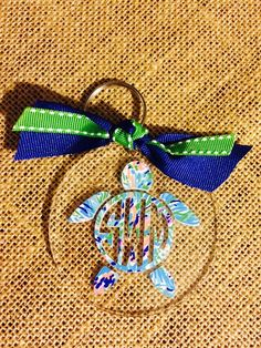 Lilly Pulitzer Turtle Monogram Key Chain by SouthernIdeology on Etsy… Monogram Keychain, Monogram Decal, Monogram Gifts, Keychain Design, Preppy Monogram, Acrylic Keychains, Key Jewelry, Summer Gifts, Key Fobs