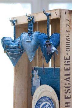handmade Sachês De Coração! ... upcycled denim heart ornaments ...