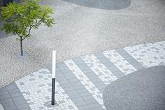 Stadtsparkasse, Oberhausen, Germany by Weidinger Landschaftsarchitekten Urban Garden Design, Urban Design, Contemporary Landscape, Urban Landscape, Paving Texture, Pavement Design, Paving Pattern, Paver Designs, Paving Ideas