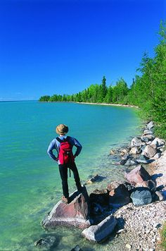 Little Limestone Lake – Canada - Largest Marl water Lake there is. The Marl water changes color regularly. Hiking Club, Guys Read, Canada, What The World, Fun Facts, Places To Visit, Travel, Outdoor, Camping