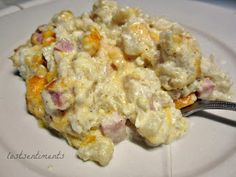 lostsentiments: Cauliflower Mac and Cheese with Ham Casserole Recipe - Low Carb comfort food Atkins Recipes, Low Carb Recipes, Cooking Recipes, Healthy Recipes, Pasta Recipes, Healthy Foods, Healthy Eating, Entree Recipes, Yummy Recipes