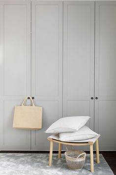 Behind every good outfit is a greatly functional closet.Helsingö ENSIÖ Wardrobe in Feather Grey with PARASOL handles. Wardrobe Cabinets, Wardrobe Doors, Bedroom Wardrobe, Wardrobe Closet, Clothes Drawer Organization, Wardrobe Organisation, Wardrobe Handles, Indian Furniture, Wardrobe Design
