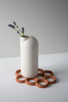 LIGHTHOUSE CARAFE BY SCOTT CRAWFORD - MADE Emerging Talent Award 2017
