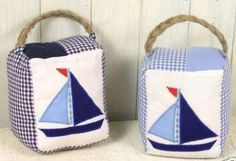 Applique Boats Doorstop