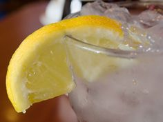 What You Should Know About Dirty Lemon Wedges at Restaurants