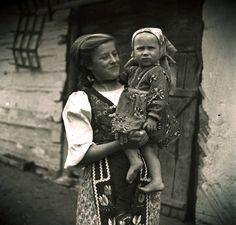 Heart Of Europe, Eastern Europe, Vintage Photos, Westerns, Decoupage, Nostalgia, Pretty, Life, Beauty