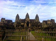 Bunks and Beaches: Photo Blog- The City of Angkor