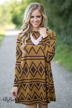I freaking LOVE this dress!!! #fallfashion Uptown Sugar Printed Dress in Mustard