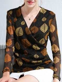 Blioesy Leaves Printed Long Sleeve V-neck Shirt look not only special, but also they always show ladies' glamour perfectly and bring surprise. Casual Tops For Women, Blouses For Women, Blouse Styles, Blouse Designs, Skirt Fashion, Fashion Dresses, Sleeves Designs For Dresses, Fashion Design Sketches, Western Outfits