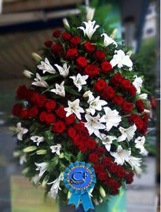 Christmas Wreaths, Table Decorations, Holiday Decor, Home Decor, Christmas Swags, Decoration Home, Holiday Burlap Wreath, Interior Design, Home Interior Design