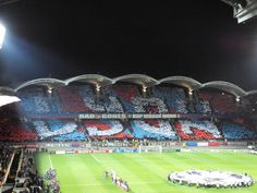 Stade Gerland in Lyon! Champions League OL - Liverpool. Qui ne saute pas n'est pas Lyonnais! Soccer Fans, Football Soccer, Liverpool, Saute, Lyonnaise, Lyon France, Champions League, Monuments, Euro