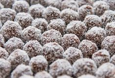 Full of superfoods such as goji berries and raw cacao powder, these bliss balls provide a good dose of antioxidants and protein to keep your body healthy – with the perfect amount of natural sweetness to give you a little energy boost Raw Vegan Recipes, Dog Food Recipes, Cooking Recipes, How To Make Rum, Rum Balls, Raw Cacao Powder, Bliss Balls, Protein Ball, Tasty Bites