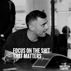 """Gary Vaynerchuk Quotes People Entrepreneur Tips Marketing 👉 Get Your FREE Guide """"The Best Ways To Make Money Online"""" Motivational Quotes For Men, Hustle Quotes, Men Quotes, Life Quotes, Inspirational Quotes, Qoutes, Dream Motivation, Business Motivation, Ambition Quotes"""