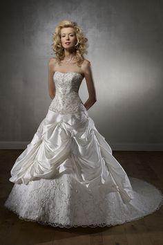 Latest Fashion Princess Wedding Dress with Lace and Pick-ups