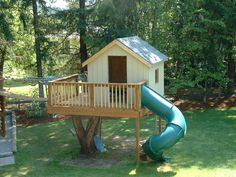 From simple tree house plans for kids to the big ones for adult that you can live in. If you're looking for tree house design ideas. Find and save ideas about Tree house designs. Backyard Trees, Backyard Playground, Backyard Treehouse, Playground Kids, Tree House Accessories, Simple Tree House, Architecture Design, Tree House Plans, Picture Tree