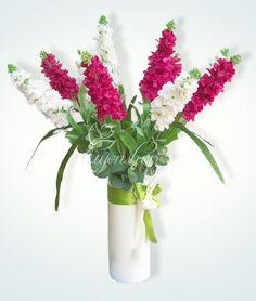 Hoa Phi Yến Nylon Flowers, Glass Vase, Table Decorations, Furniture, Home Decor, Homemade Home Decor, Home Furnishings, Interior Design, Home Interiors