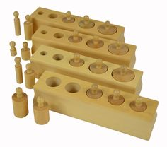 The Mini Cylinder Blocks set is a smaller version of the classic Cylinder Blocks materials.