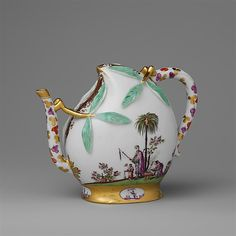 Teapot in the shape of a peach (cadogan type) Meissen Manufactory  ca. 1725
